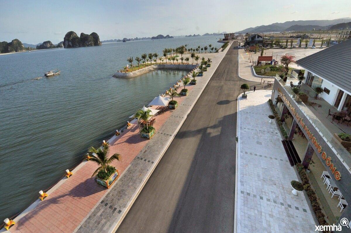 Quảng trường ven biển Phương Đông
